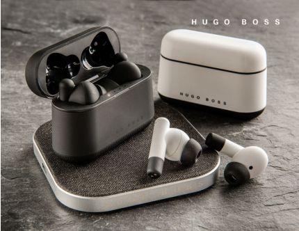 Hugo Boss earbuds og trådløs charger