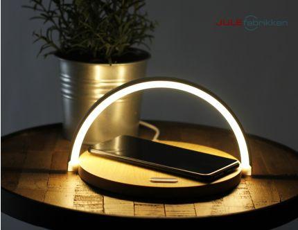Lampe og trådløs oplader